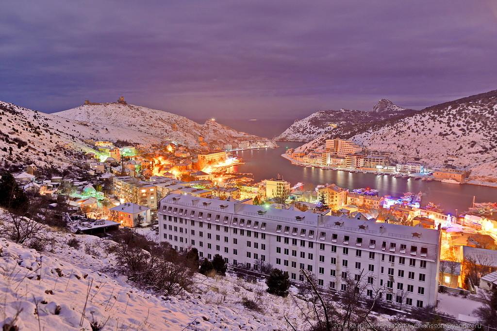 Ночная снежная Балаклава