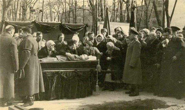 Похороны генерала Ватутина 1…