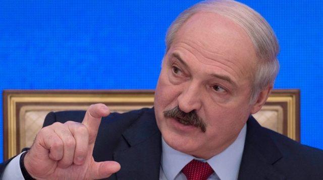Лукашенко требует от России …