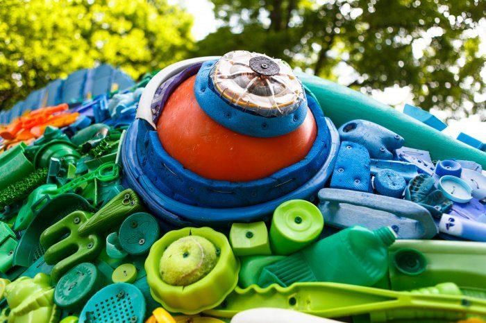 Невероятные поделки из мусора