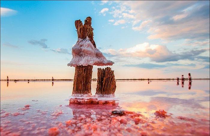 Зимой озеро часто замерзает, так как оно очень мелководное. Фото: Сергей Анашкевич.