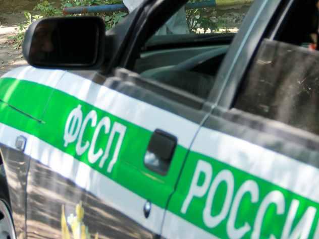 Приставы арестовали «Мерседес» чебоксарки за 150 штрафов ГИБДД