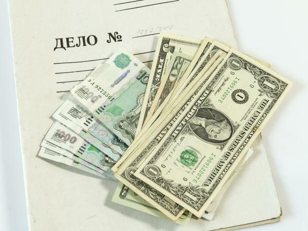 Укравшие 58 тысяч рублей воры не тронули часы за 175 тысяч