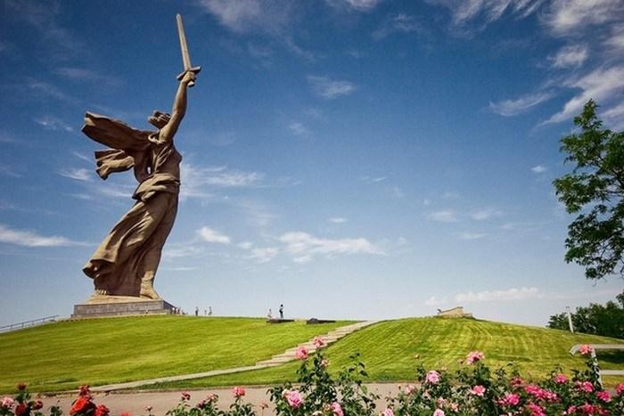 20 памятников-гигантов, рядом с которым чувствуешь себя песчинкой