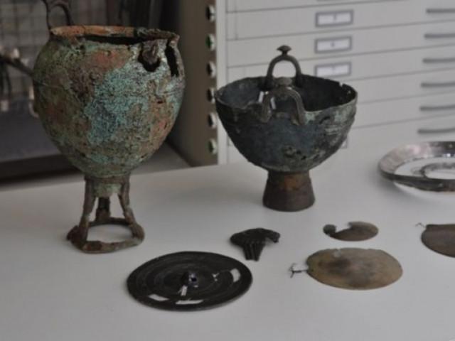 Чьи артефакты были обнаружен…