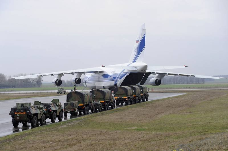 "Пешком ходите!!! Россия прекращает перевозки техники НАТО ""Русланами"""