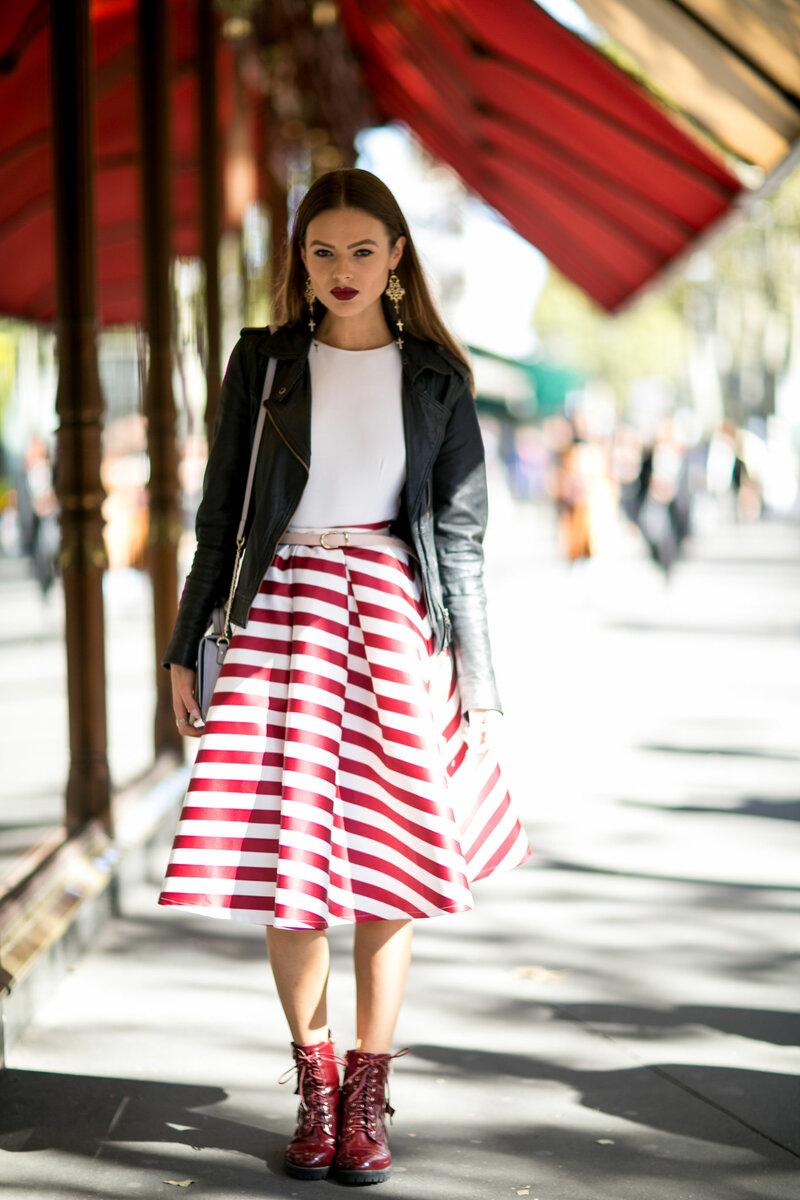 Пышная юбка в полоску – атрибут куклы, а не стильной женщины. /Фото: tetyamotya.ru