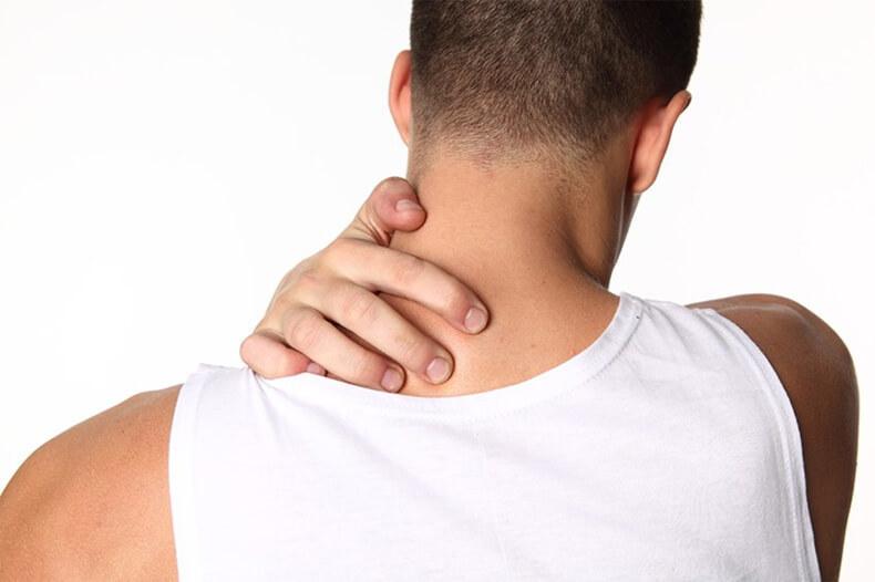Мышечные зажимы шеи и спины: снятие боли изменением позы.