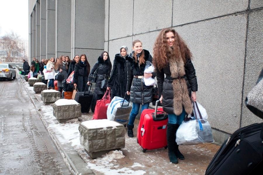Москвичкам не хватает женихов – куда вы претесь, лимита?