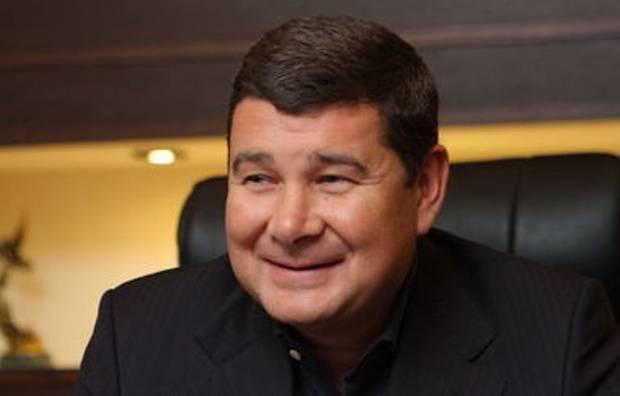 Онищенко ловит рыбку в мутной воде: что стоит за обнародованными пленками