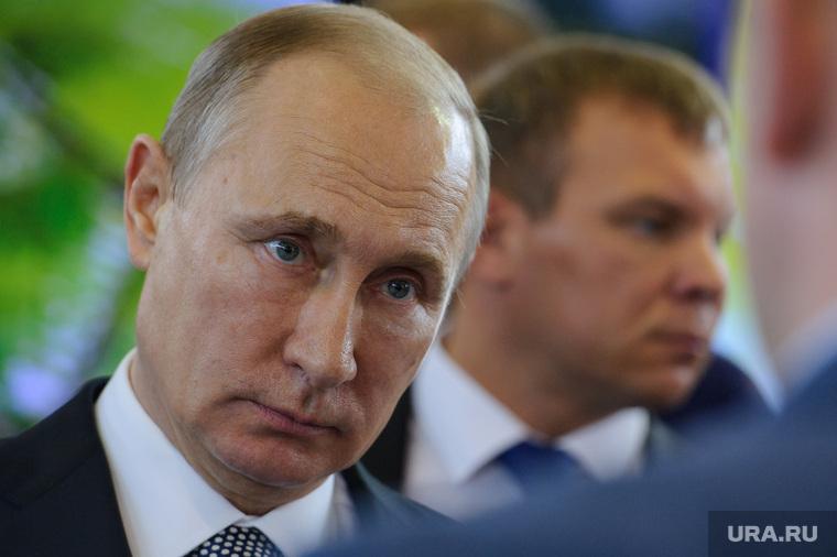 Несмотря на вмешательство Путина, владелец завода в Нижнем Тагиле снова послал рабочих. Еще дальше, чем к президенту