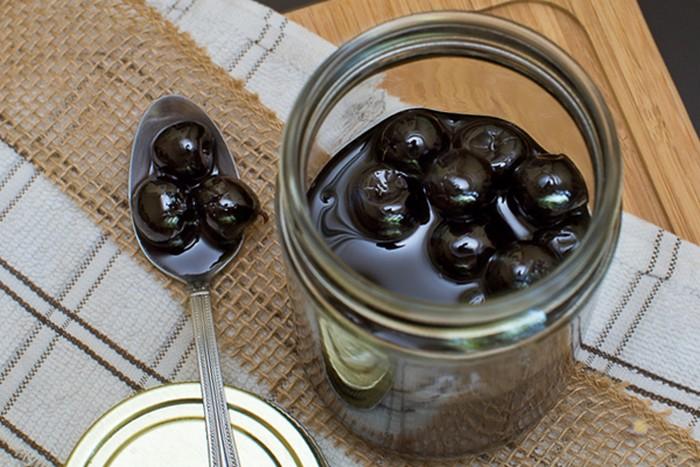 Как сделать десерт «пьяная вишня»: просто и вкусно