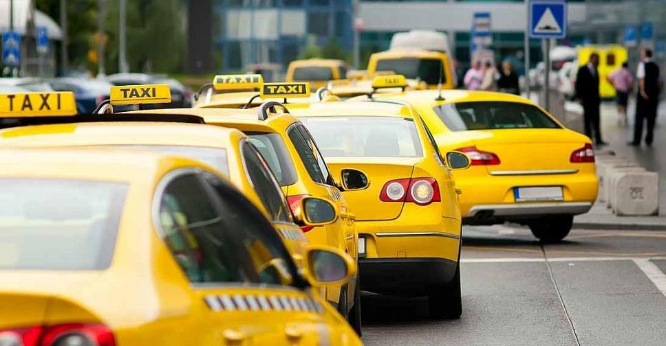 Минфин поддерживает введение обязательного страхования пассажиров такси