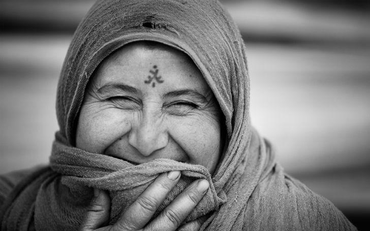 Смех сквозь слезы: фотограф запечатлел искренние улыбки беженцев