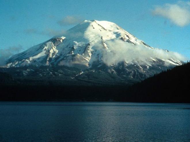 Геологическая служба США: 120 землетрясений на вулкане Сент-Хеленс за неделю – тревожный знак