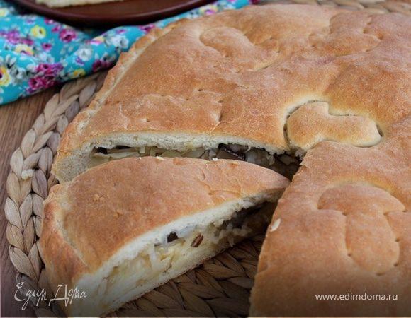 Постный пирог с капустой, рисом и грибами