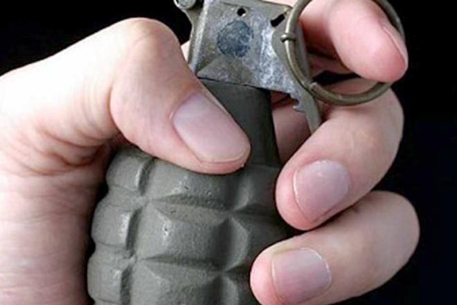 Как спастить от взрыва гранаты