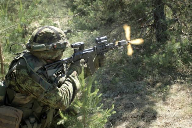 СМИ: Российская разведка вербует этнических русских в прибалтийских армиях
