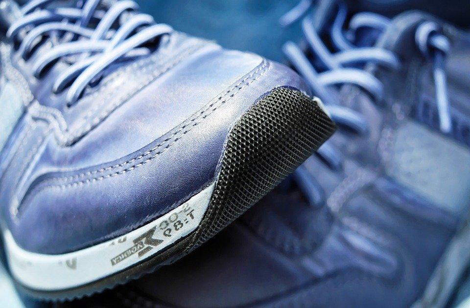 Google намерен выпустить кроссовки с весами