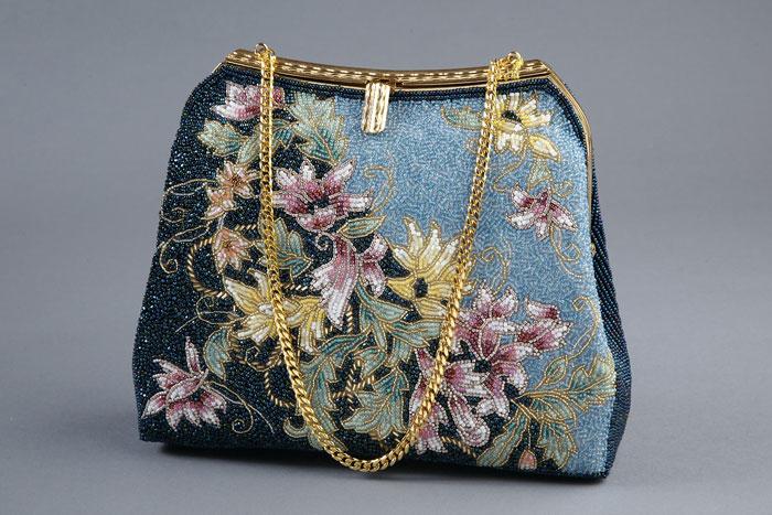 Шедевры вышивки — сумочки, вышитые бисером. Вдохновляемся!