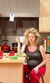Очень доходчиво она ответила на вечное мужское: «Сидишь себе дома и ничего не делаешь!»