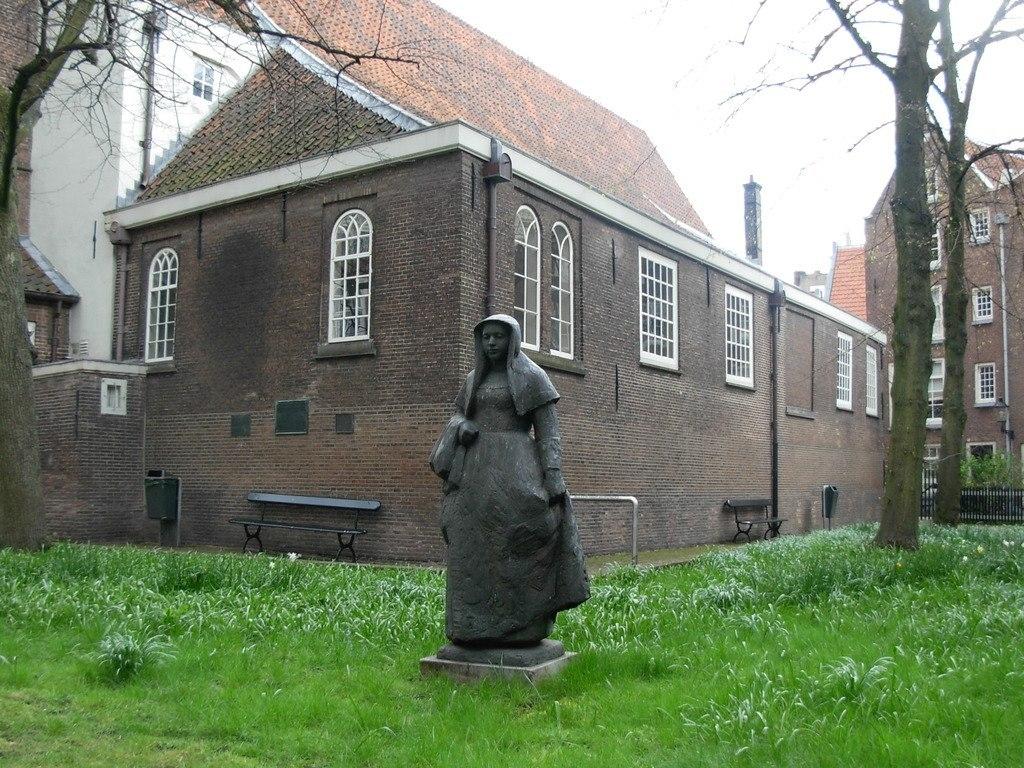 Бейгенхоф - старый монастырь в Амстердаме