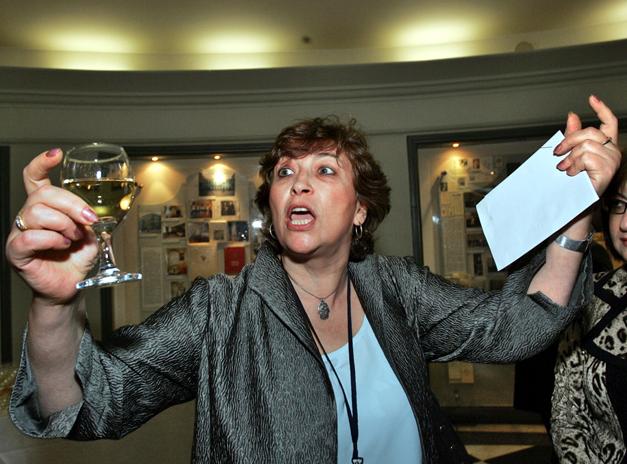 Евгения Альбац из The New Times потратила собранные читателями деньги на выпивку