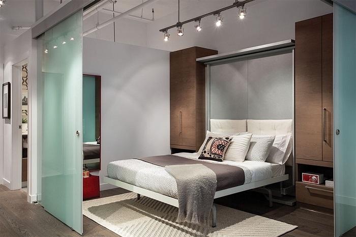 Кровать-шкаф занимает минимум места и является очень удобной. / Фото: 4geo.ru
