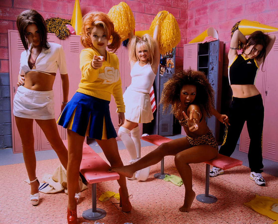 Легенды 90-х: почему распалась группа Spice girls и что стало с ее участницами
