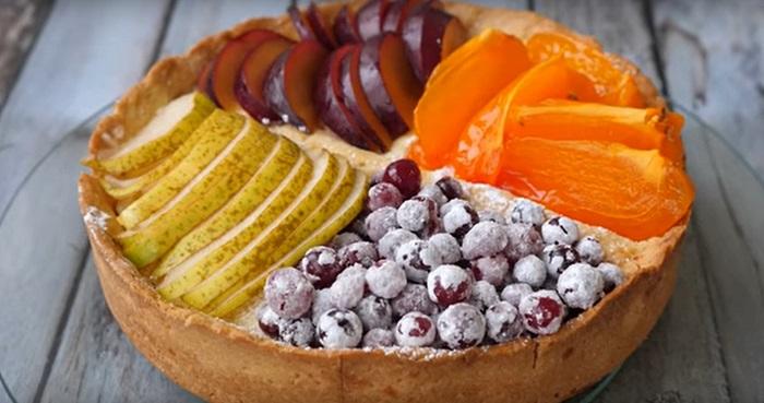 творожный пирог с фруктами