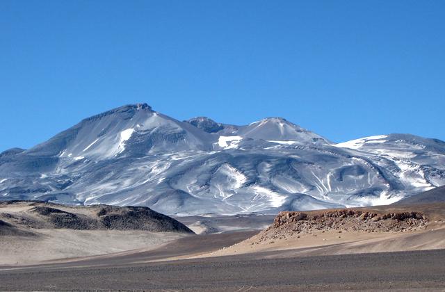 Охос-дель-Саладо, граница Чили и Аргентины