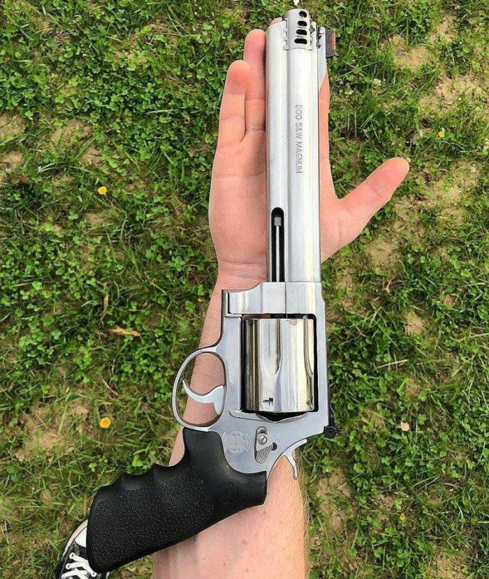 Для тех, кто не наигрался в детстве: 25 шикарных пистолетов со всего мира