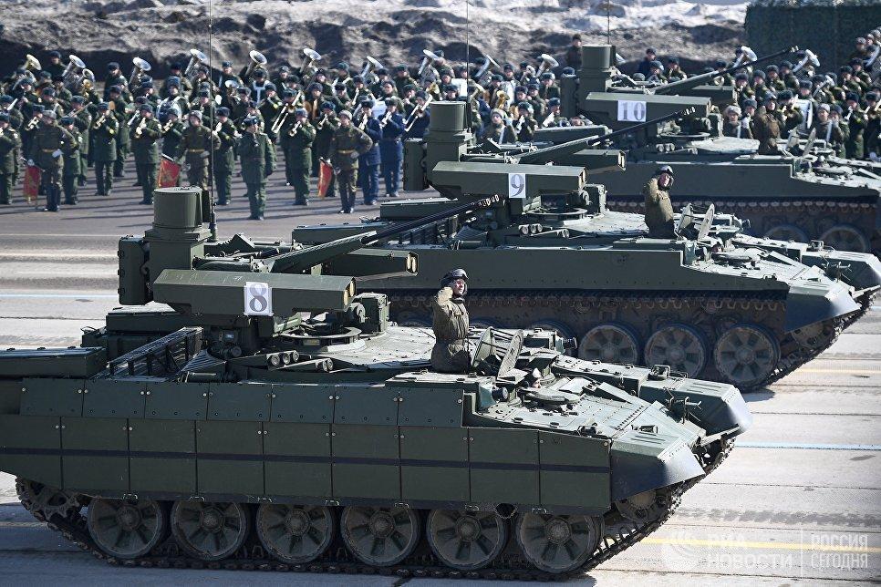 Боевые машины поддержки танков БМПТ на репетиции Парада Победы в Алабино