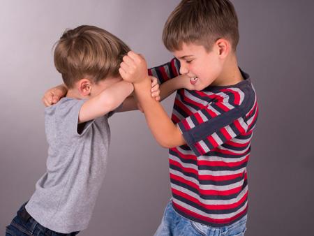 Как научить ребенка защищаться