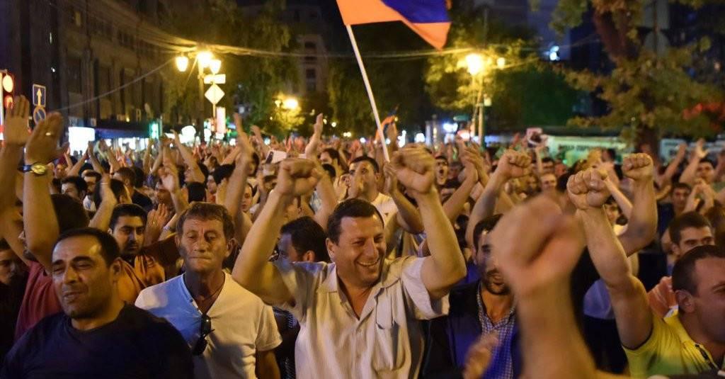Какие уроки из кризиса власти в Армении может извлечь Россия