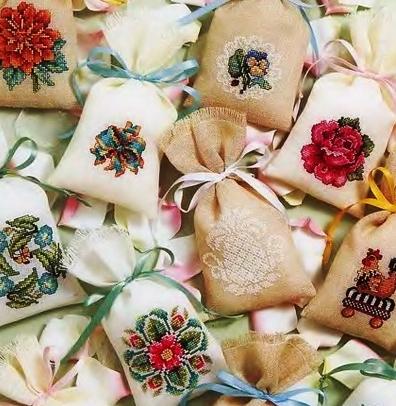 В копилку -- цветочные схемы для вышивки крестом саше