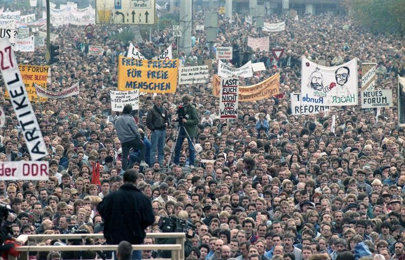 В Дрездене прошёл митинг за возврат к ГДР