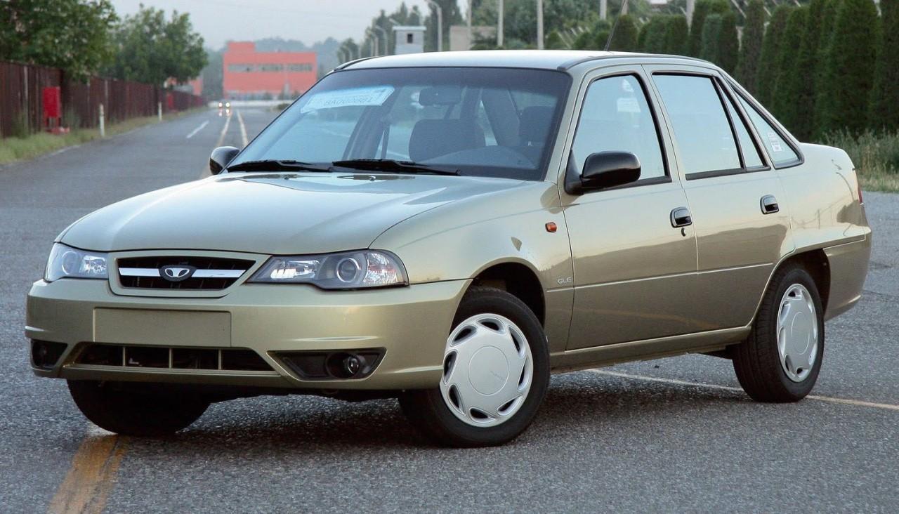 Можно ли купить в России приличный автомобиль до 100 тысяч рублей?