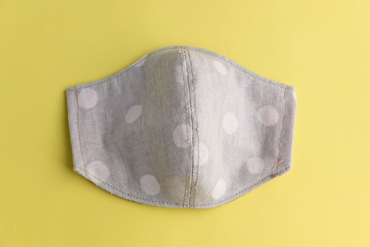 Многоразовая маска без выкройки своими руками из подручных средств