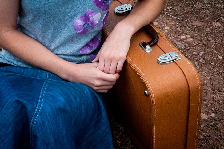 Отправить гостей в гостиницу — негостеприимно?