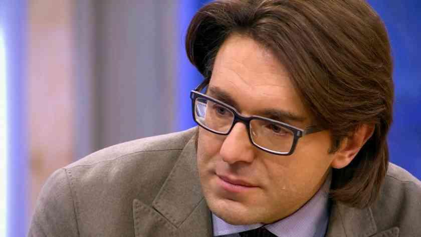 Малахов довел известную певицу до слез