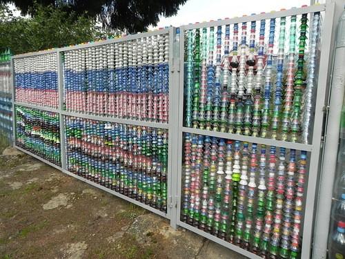 Как сделать забор из пластик…