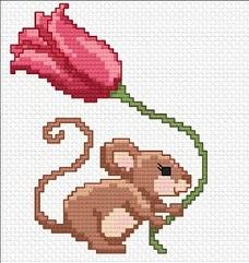 ВЫШИВАЙКА. Мышка и тюльпан