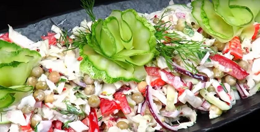 Салат с пекинской капустой за 5 минут: на каждый день и на праздничный стол