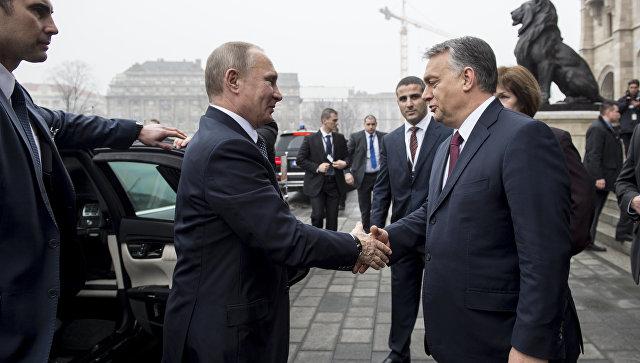 Запад разрушают изнутри маленькие Путины