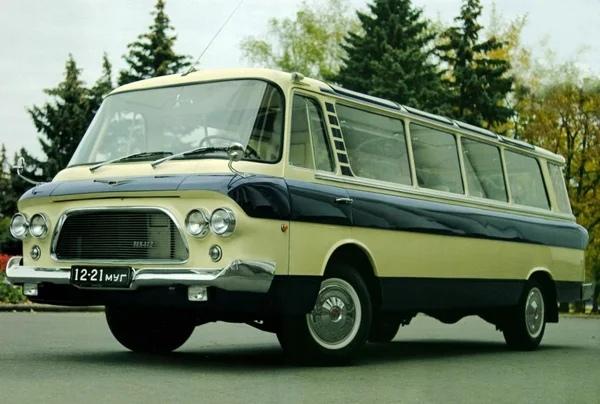 Автобус ЗИЛ-118. «Юность», покорившая сердца