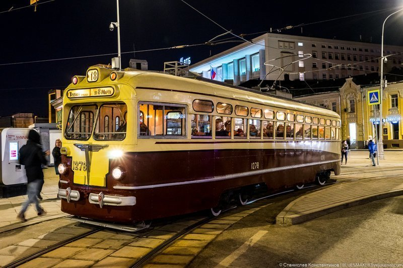 Московскому трамваю сегодня исполняется 119 лет. Прошел парад трамваев (40 фото)