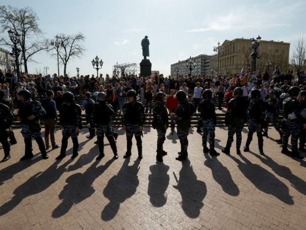 Евросоюз осудил действия российских властей на митингах Навального