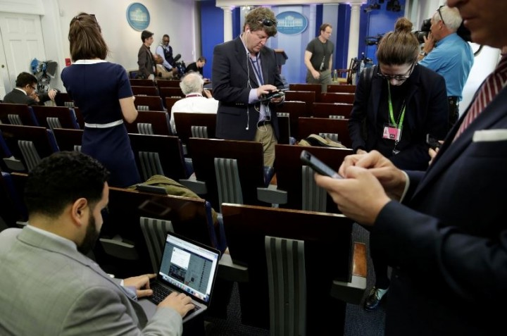 Только для своих: журналисты…