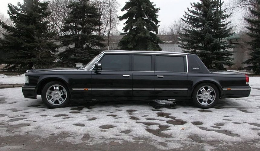Не понравившийся Путину лимузин ЗИЛ снова выставили на продажу